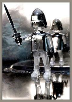 Eine Trophäe in Glas und Silber. Playmobil
