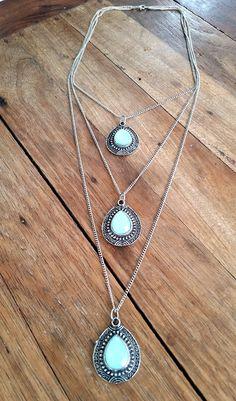 COLAR BOHO 3 PINGENTES <br>prata envelhecida com detalhes em resina turquesa furtacor