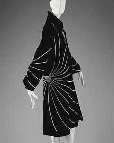 Coat, Jeanne Lanvin, 1927  The Metropolitan Museum of Art   More on the myLusciousLife blog: www.mylusciouslife.com