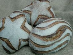 Beautifully scored breads by Josep Pascual ([@]jpascforner) of Barcelona, Spain. Photo pinned with Josep's permission.