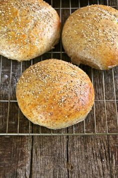 Soft coarse rolls - Food On The Table-Myke grove rundstykker – Mat På Bordet Soft coarse rolls - Baby Food Recipes, Bread Recipes, Cooking Recipes, Sandwiches, Norwegian Food, Norwegian Recipes, Scandinavian Food, Piece Of Bread, Foods To Eat