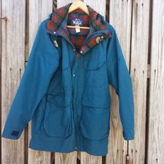 What a beauty! Vintage WOOLRICH Womens Jacket Barn Coat by TomieHarleneVintage, $39.00 #woolrich #barncoat