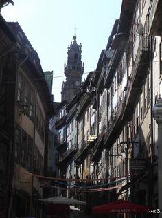 Rua de Trás  Vista dos Loios.  A  rua de Trás, antigamente mal afamada hoje roteiro turístico. ... e sempre A nossa Torre dos Clérigos!