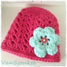New born hat with flower ~ made by VanSjoukje© ~ baby ~ mutsje ~ haken ~ crochet