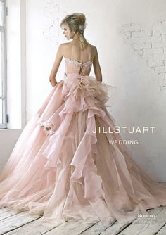 doesn't have to a wedding gown! Beautiful Gowns, Beautiful Outfits, Bridal Gowns, Wedding Gowns, Glamorous Wedding, Colored Wedding Dresses, Dream Dress, Bridal Style, Pink Dress