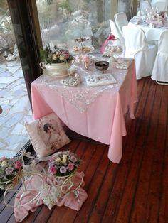 Τραπέζι ευχών, βάπτιση στον παιδότοπο του Astra Private Club.