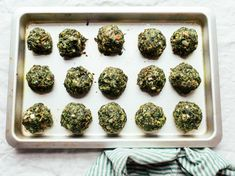 Spinach Balls used in our Magic Mike XXL post. Spinach Appetizers, Appetizers For Party, Appetizer Recipes, Christmas Appetizers, Veggie Recipes, Great Recipes, Cooking Recipes, Favorite Recipes, Turkey Recipes