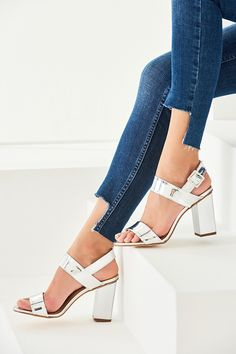 TRENDYOLMİLLA Gümüş Kadın Topuklu Ayakkabı