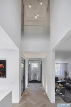 Tiel - Culimaat - High End Kitchens Luxury Homes Interior, Modern Interior Design, Interior Architecture, Moderne Lofts, Planchers En Chevrons, Home Design, Hallway Designs, Interiores Design, House Plans