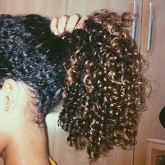 Grow Lust Worthy Hair FASTER Naturally} ========================== Go To: www.HairTriggerr.com ========================== Love This Hand Full of Curls!!!