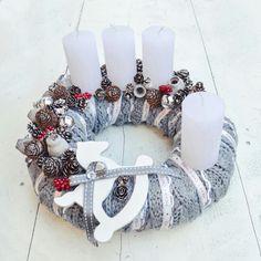 Christmas Time, Christmas Wreaths, Xmas, Couronne Diy, Burlap Wreath, Napkin Rings, Holiday Decor, Holiday Ideas, Advent