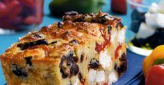 Une bonne recette de cake qui emprunte les saveurs du sud, c'est possible? Oui, essayez ce cake aux poivrons, feta et olives noires. Oui, C'est Bon, Quiche, Banana Bread, Muffin, Appetizers, Menu, Magazine, Breakfast