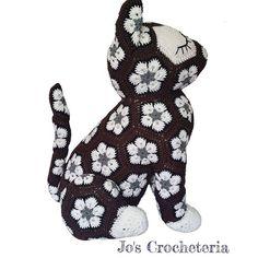 Maggie the African Flower Owl Pillow – Crochet Pattern