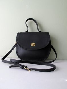 Have decided I need a slightly larger purse - this one seems perfect. Love vintage Coach!
