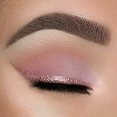 Eyeshadow Tips, Pink Eyeshadow, Eyeshadow Makeup, Eyeshadow Palette, Makeup Brushes, Burgundy Eyeshadow, Summer Eyeshadow, Eyelashes Makeup, Eyebrow Makeup