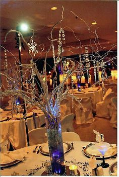 simple and chic designs: WW: Flower-less wedding centerpieces!