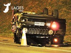 Lages Diário: Acidente entre caminhão e carro deixa duas feridas... Monster Trucks, Vehicles, Cars, Rolling Stock, Vehicle