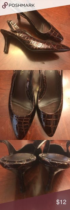 🔥Cabrizi Carlyn Heels Cute Heels with Straps. Slight wear. See pics.  Size 8 1/2 M cabrizi Shoes Heels