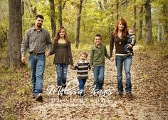 fall family picture ideas | Fall Family Photo | Photo Ideas