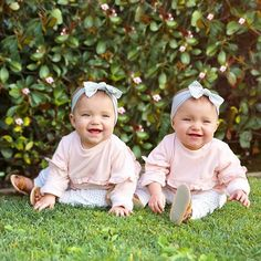 35 Winter Outfit Ideas That Look Cute for Your Twins Baby Girl # Cute Baby Twins, Twin Baby Girls, H&m Baby, Baby Kind, Twin Babies, Baby Love, Beautiful Children, Beautiful Babies, Tatum And Oakley