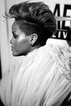 Rihanna's mohawk makes me very happy.