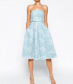 Asos Błękitna sukienka koktajlowa midi rozkloszowana bez ramiączek ASOS SALON Crop Top Embroidered Skater Dress