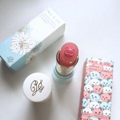 「〈2016夏〉一足お先に旬顔GET♡人気4ブランド注目の新作コスメまとめ」に含まれるinstagramの画像|MERY [メリー] Paul & Joe kitty cat pink lipstick cute cosmetics makeup