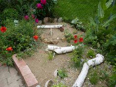 Sandarium – Magerbeet – ausführliche Baudokumentation – Hortus Girasole Stepping Stones, Garden, Outdoor Decor, Plants, Outdoors, Delphinium, Hibiscus, Peonies, Stair Risers