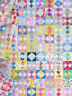 A Four-Patch in a Square Quilt © Red Pepper Quilts 2021 Quilting Tutorials, Quilting Projects, Irish Chain Quilt, Scrap Busters, Colorful Quilts, Quilt Sizes, Vintage Quilts, Quilt Top, Square Quilt