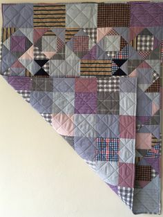Men's shirt quilt Quilting Ideas, Quilting Projects, Mens Shirt And Tie, Gingham Quilt, Shirt Quilts, Embroidered Quilts, King Size Quilt, Traditional Quilts, Men's Shirts