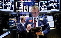 Wall Street cierra con ganancias y Dow Jones recupera 18 mil puntos