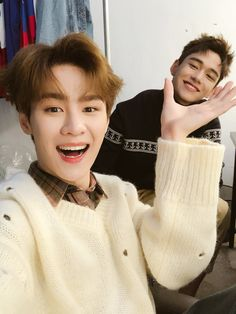 Read Kun(쿤) from the story NCT & Stray Kids Imagines by MarkXDino (markxdino🦊) with 902 reads. Winwin, Taeyong, Jaehyun, K Pop, Nct 127, Meme Photo, Bae, Yuta, Lucas Nct