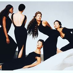 2018/04/11 01:02:54 #90s models by #richardavedon : #naomicampbell  #kristenmcmenamy  #christyturlington  #lindaevangelista  #stephanieseymour . . . . #model#supermodel#topmodel#icon#fashionicon#blackandwhite #pic#photo