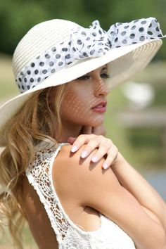 Born a Southern Belle Types Of Hats, Derby Day, Derby Time, Love Hat, Fashion Mode, Fashion Stores, Fashion Hats, Fashion Trends, Cute Hats