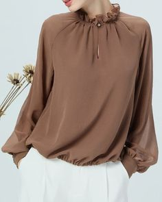 Shift Casual Chiffon Paneled Balloon Sleeve Stand Collar Blouse - Looks are Everything Collar Blouse, Blouse Dress, Blouse Styles, Blouse Designs, Hijab Fashion, Fashion Dresses, Fashion Boots, Mode Outfits, Casual Outfits