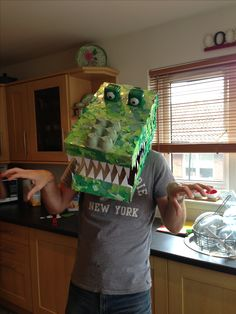 how to make enormous crocodile mask Roald Dahl Costumes, Book Costumes, World Book Day Costumes, Book Week Costume, Character Costumes, Diy Costumes, Costume Ideas, Boy Roald Dahl, Roald Dahl Books