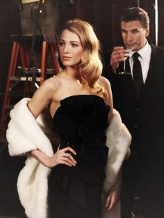 Image uploaded by 光►. Find images and videos about blonde, gossip girl and blake lively on We Heart It - the app to get lost in what you love. Gossip Girls, Mode Gossip Girl, Gossip Girl Outfits, Gossip Girl Fashion, Gossip Girl Serena, Mode Blake Lively, Blake Lively Style, Estilo Serena Van Der Woodsen, Pretty People