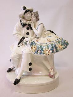 GOLDSCHEIDER porcelain figural group