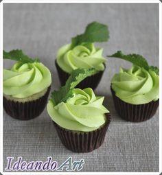 Mini cupcakes de mojito decorados con hierbabuena by IdeandoArt