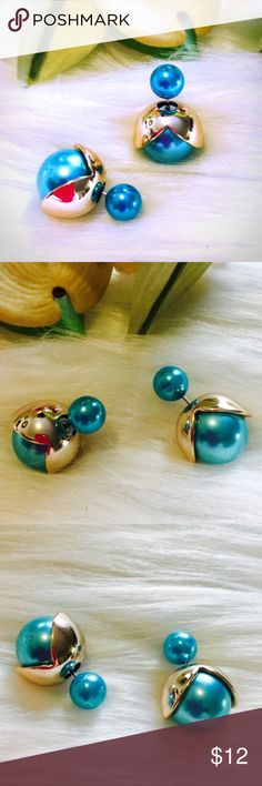 """💖🆕 Blue W/ Gold Petals Double Sided Ball Studs Brand New Boutique Item In Packaging And Mesh Bag.. Gorgeous Blue/Turquoise Color With Gold Plated Petals. Sterling Silver Post, So Perfect For Sensitive Ears! Measuring Approximately 0.5"""". 🚫 No Trades Boutique Jewelry Earrings"""