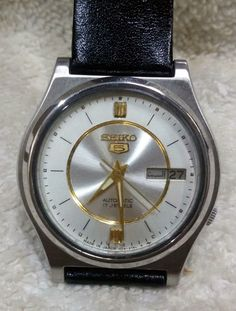 Vintage Seiko 5 Automatic Day-Date 17-Jewels Men's Wrist Watch AS-04