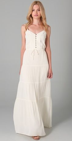 This maxi dress looks elegant and comfortable all at the same time ...
