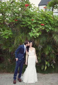 Alvina Valenta Style AV9163 Used Wedding Dress Size 4 - Nearly Newlywed Wedding Dress Shop