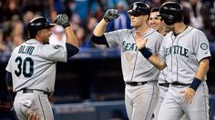Michael Saunders hits a solo blast in the 9th and a grand salami in the 10th as the #Mariners win a 9-5 thriller in Toronto. 4/27/12