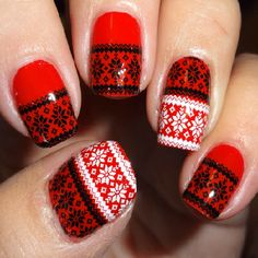 Black and white nail art - perfect for Christmas nail art - Jumper Stitch Nail Water Decals | Nail Art Supplies | Sparkly Nails