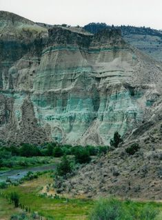 ▲ Sheep Rock, John Day Fossil Beds National Monument, Wheeler County, Central Oregon