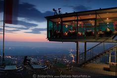 Karren Bergstation Glaspalast Foto, Panoramarestaurant in 976 m Höhe mit Dornbirn Nachtpanorama