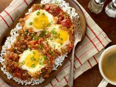 Cajun Tomato Gravy with Eggs: we'll take this dish for breakfast, lunch or dinner! Cajun Tomato Gravy with Eggs: we'll take this dish for breakfast, lunch or dinner! Cajun Recipes, Egg Recipes, Creole Recipes, Cajun Cooking, Cajun Food, Creole Cooking, Green Vegetarian, Cooking Channel Recipes, Amigurumi