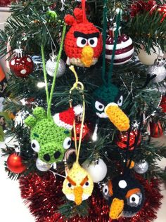 Angry Birds Christmas Decorations | amigurumi_angry_birds_christmas_ornaments_by_nerdstitch-d4hwkci.jpg