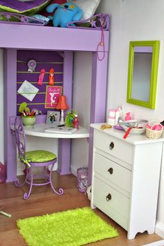 Pippaloo has such a cool doll house. :)